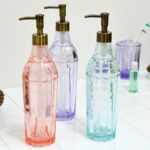 乾燥での肌荒れにはこれがベスト!コスパ最強の秘密の化粧水とは?