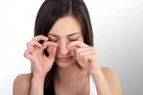 """すっぴんの目の周りが""""くすんでる?くすんだ肌を元に戻す驚きの解消法とは?"""